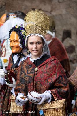 Großer Umzug der Narrenzünfte durch die Villinger Altstadt am Fasnacht-Dienstag