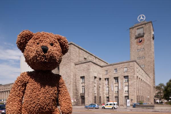 Das ist der Bahnhof von Stuttgart. Noch...