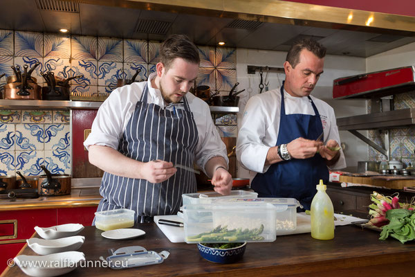 Florian und David bei der Vorbereitung