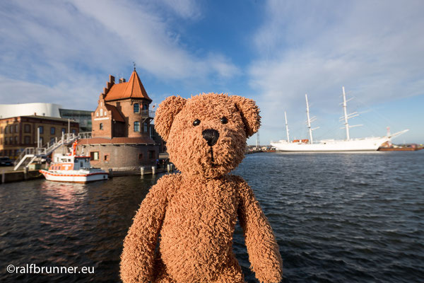 Das bin ich in Stralsund an der Ostsee.