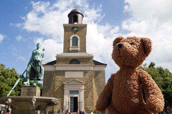 Meine gute Freundin Tine in Husum hält Ausschau nach den Seebären. Und damit natürlich auch nach mir.