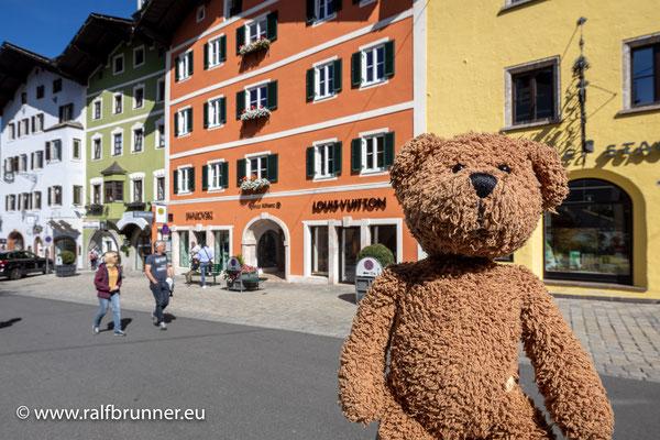 Hier in Kitzbühel bin ich definitiv nicht der einzige, der einen Pelz trägt.