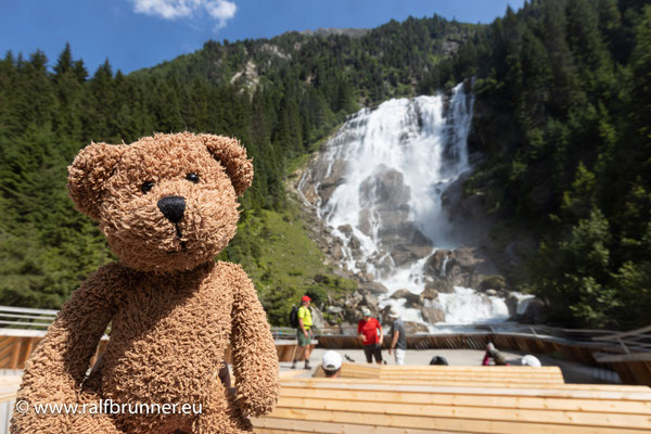 Im Stubaital sind die Grawa-Wasserfälle am Wilden-Wasser-Weg. Das ist wegen der wilden Wässer und vor allem dem Grawa-Wasserfall!