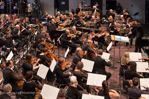 Donaueschinger Musiktage 2016: Abschlusskonzert mit dem SWR Symphonieorchester unter der Leitung von Alejo Pérez
