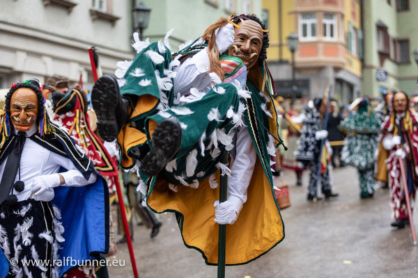 Höhepunkt der schwäbisch-alemannischen Fasnacht: Historischer Rottweiler Narrensprung durch die Altstadt