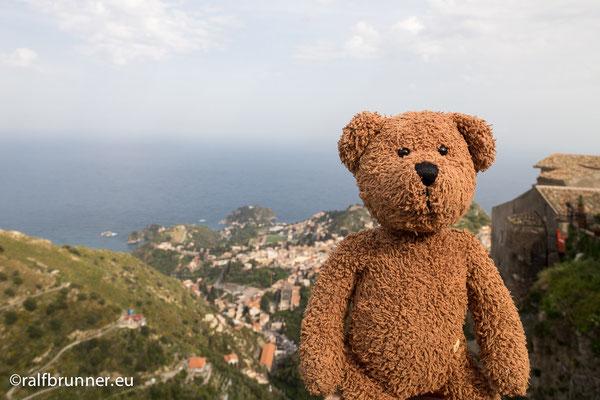 Castelmola liegt oberhalb von Taormina. Aber auch auf Sizilien.
