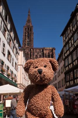 Strasbourg im Elsass. Das ist links vom Rhein und liegt in Frankreich.