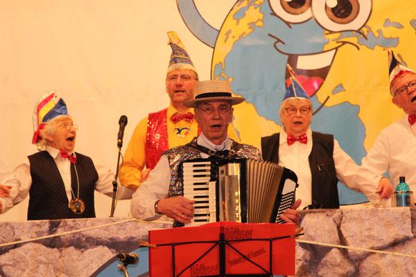"2020, Seniorenkarneval: ""Eckhard und sein Akkordeon"""