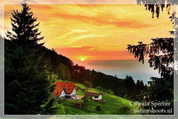 zonsondergang Sasbachwalden ZwarteWoud