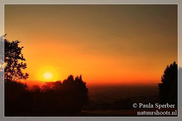 zonsondergang over Rijndal