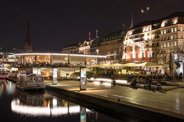 Alsterpavillon bei Nacht