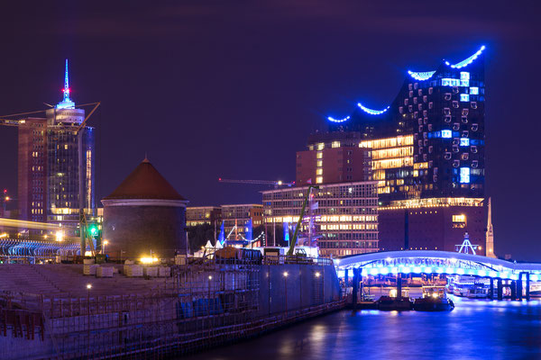 Hamburg Blue Port 2017: Elbphilharmonie in Blau