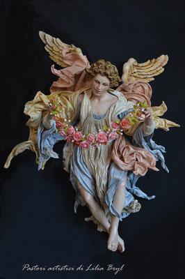 Angelo con una corona di fiori. Un pastore pastore napoletano di Lilia Bryl. Cod ANG017
