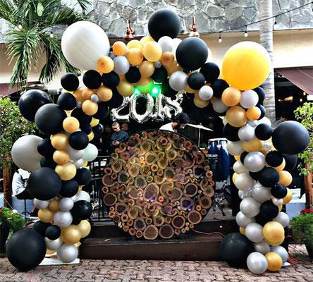 arco de globos organico para cumpleaños