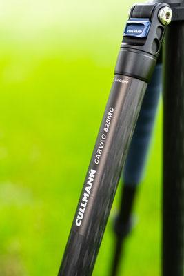 Für einen robusten Stand und gleichzeitiger Leichtigkeit sind die Stativbeine aus 8 lagigen Carbon gefertigt.