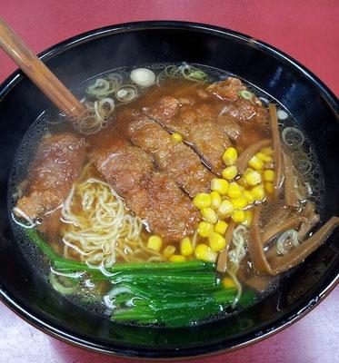 久しぶりの山水麺(排骨麺)でつよ。お肉ウマ~。 【2012年10月22日】