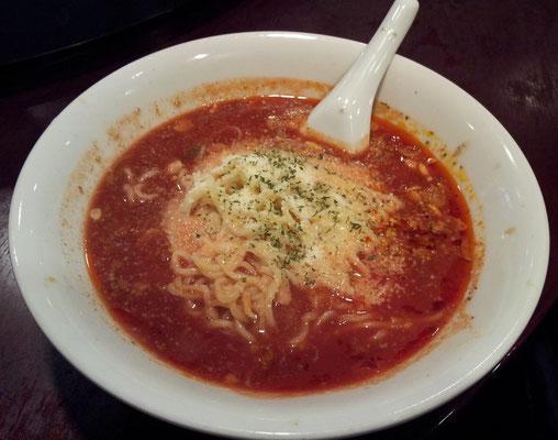 やっぱ和平飯店では、ピリ辛トマト風味ラーメンが一番好きでつよ、おでは。〆の小ライスぶっ込みは、我慢すますた。 【2013年12月6日】
