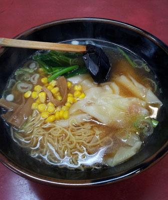 山水樓で雲呑麺を初めて食べますたよ。フツー。 【2013年5月17日】