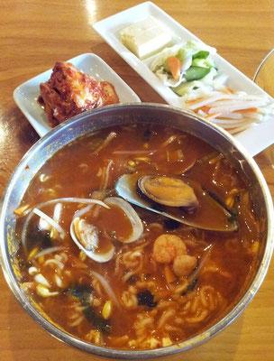 今週は、ベトナム→韓国→中華→韓国と、4日連続の辛い麺シリーズですた。お尻はまだ大丈夫でつ。 【2013年1月18日】