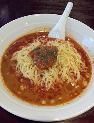 和平飯店の冷やしトマトタンタン麺、意外と辛いので頭皮から汗が吹き出るんでつよ。(;´д`)ゞ 【2013年6月13日】