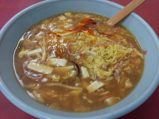 酸っぱいに辣油の辣で酸辣湯麺。まんまの味でつ。 【2013年9月18日】