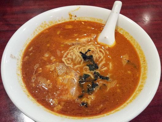 和平飯店の新作、カレー風味タンタン麺でつよ。喉はヒリヒリするわ、頭皮から汗は吹き出るわ、鼻水は垂れるわでインド人もビックリだよ、ママ! 【2013年11月28日】