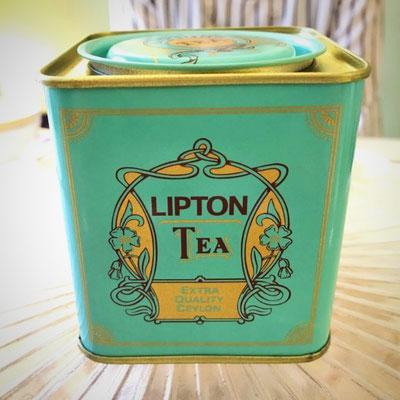 #リプトン#初代#青缶#初めてお目にかかりました。#お馴染みの#黄色ではないのね #LIPTON