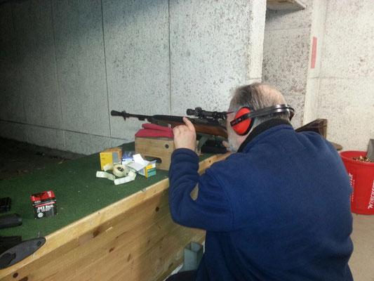 Shooter Tontauben Schießen Waffe Pin Abzeichen