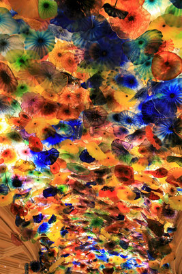 Chihuly Glasblumen Decke im Foyer des Bellagio