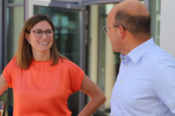 Vanessa Wilkins, die Marketingchefin und Leiterin der Rezeption und der Geschäftsführer Andreas Spaetgens empfangen uns und führen durch die Klinik