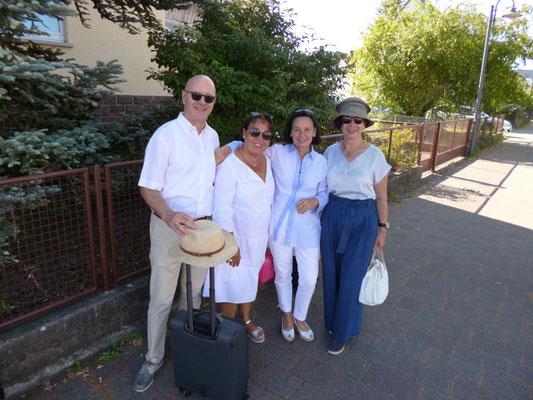Jörg, Uschi, Anna und Iris bei der Abreise in Wilferdingen