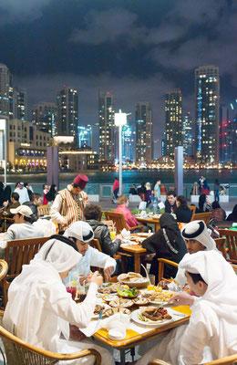 Abendessen in Dubai | Foto © Lutz Jäkel