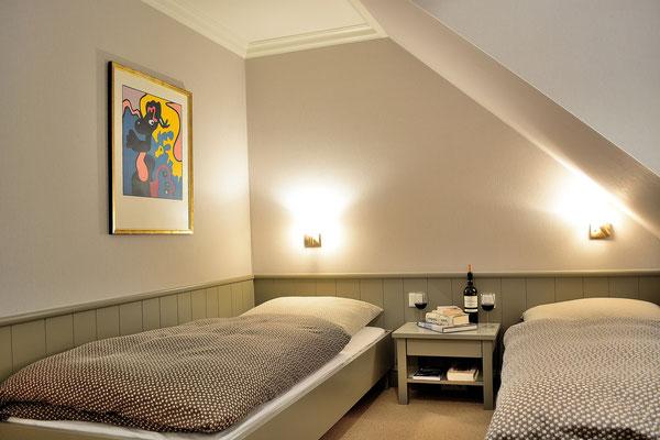 Das 2. Schlafzimmer mit zwei Einzelbetten