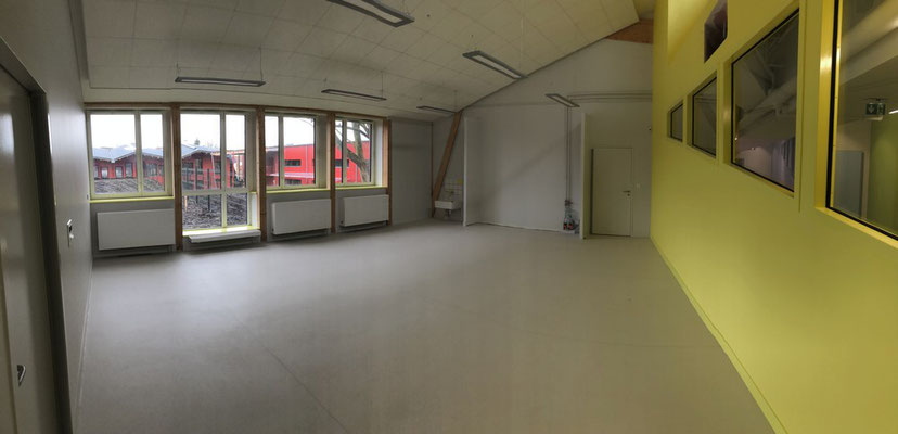 salle de classe de maternelle, les armoires seront posées dans le fond