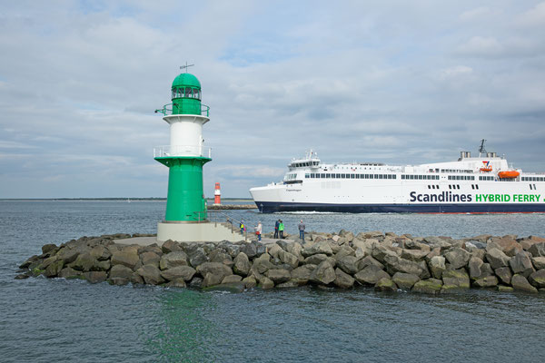 Warnemünde, Hafenausfahrt