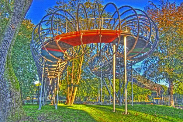 Slinky springs to fame (2)