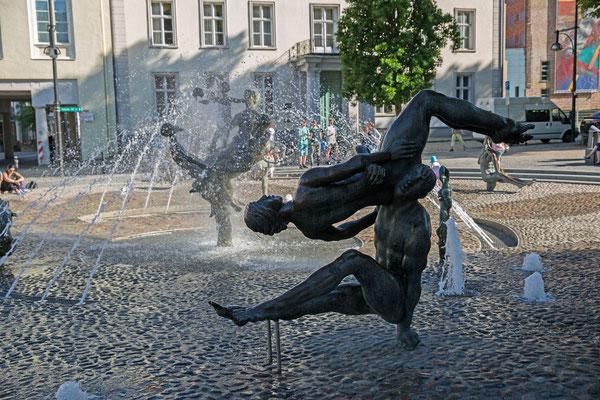 Rostock, Brunnen der Lebensfreude