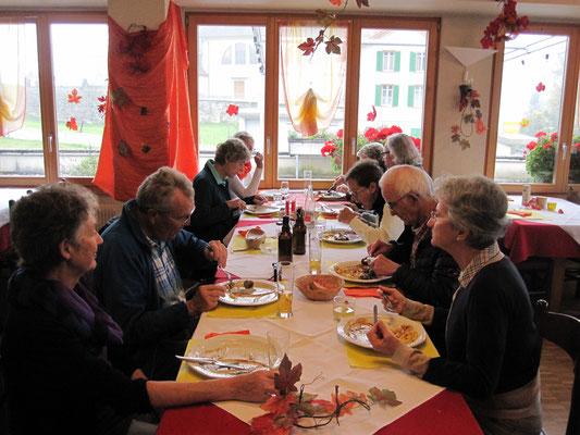 Jahresausflug 2015: Mittagessen in Seelisberg