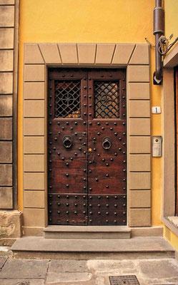 Puerta en Bérgamo. Italia.