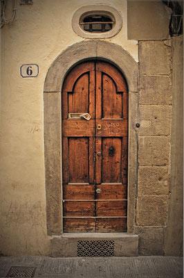 Puerta en Milán. Italia.