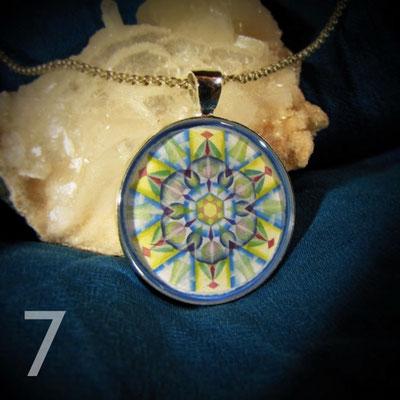 <b>Om Shanti - Frieden </b> <p>&nbsp;</p> Frieden, Stille, das Ruhen der Sinne. Frieden im Innen bewirkt Frieden im Außen.