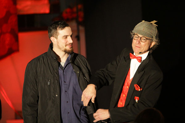 Sherlock Holmes klärt über Pick-Pocket auf.