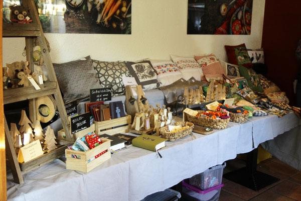 Genähtes aus Leinen und Baumwolle | Geschenkideen aus Holz und Leder | Familie Kenning