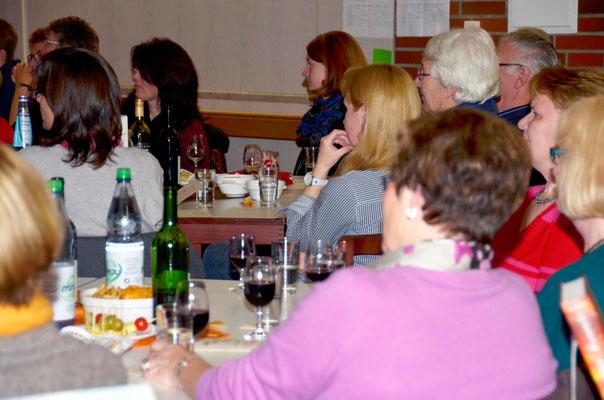 Weinseliger Dada-Abend