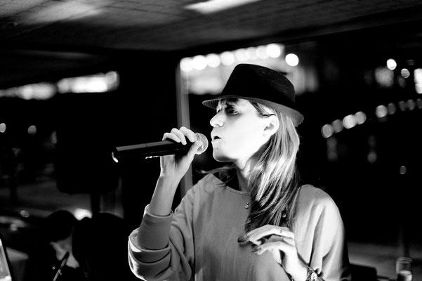 chanteuse beaujolais