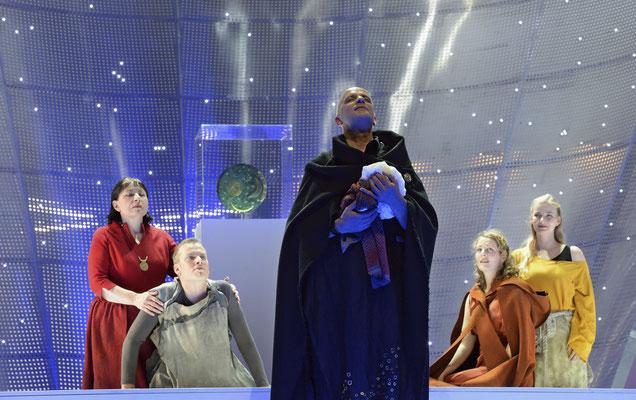 Tamar Sky Disc Oper Halle mit Mária Petrašovská, Robert Sellier, Gerd Vogel und Sandra Maxheimer