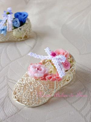 Babyshoes ベビーシューズ 赤ちゃんのお誕生のお祝いに ピンク系のプリザーブドフラワーで