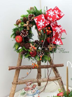 フレッシュのグリーンで作る クリスマスリース