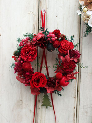 Jewels ジュエルズ 赤い木の実の小さなリース
