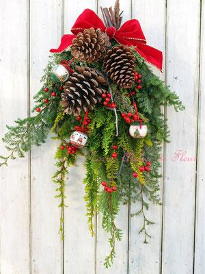 フレッシュのグリーンで作る クリスマススワッグ